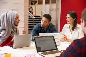 Pelatihan Corporate Social Responsibility (CSR) Communication