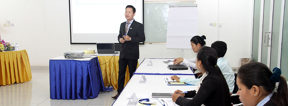 Training Accounting Information Analysis for Business Decision